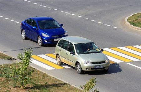 Авто на пешеходном переходе