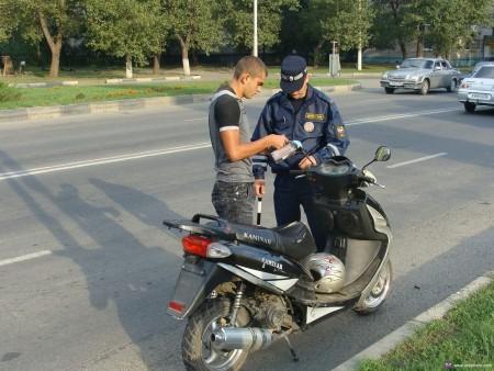 Проверка прав при езде на скутере