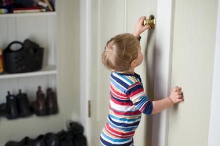 Трудности в выписке ребенка из квартиры